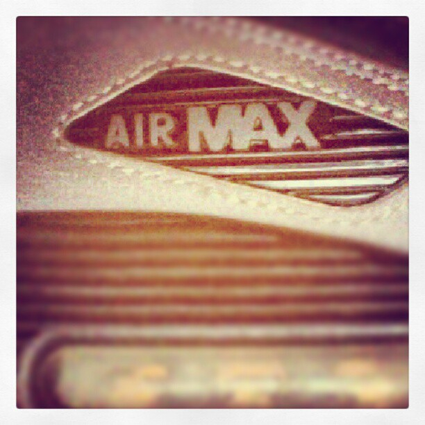 @Nike-Air-Max-90-Close-up-sneakeraday-instagood-sneakers-sneakerhead-solecollector-soleonfire-fashio