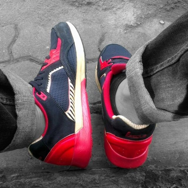 Ayo-pake-sneaker-lokal-@league_world-httpwp.mep1zT9I-fn-sneaker
