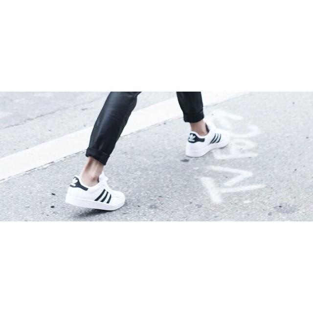 the-classics-adidas-superstar-3stripes-sneakeraday-sneakerwalhalla-sneaker-ootd